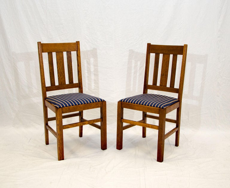 Arts & Crafts Mission Oak Library or Breakfast Table with Two Leaves, Two Chairs For Sale 9