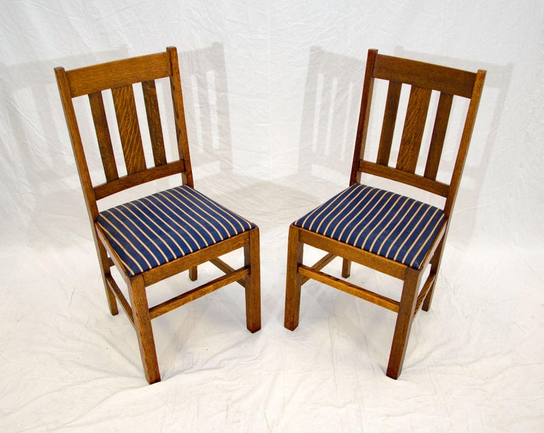Arts & Crafts Mission Oak Library or Breakfast Table with Two Leaves, Two Chairs For Sale 10