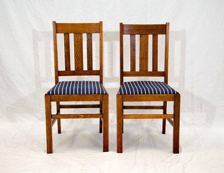 Arts & Crafts Mission Oak Library or Breakfast Table with Two Leaves, Two Chairs For Sale 11