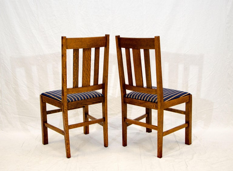 Arts & Crafts Mission Oak Library or Breakfast Table with Two Leaves, Two Chairs For Sale 13