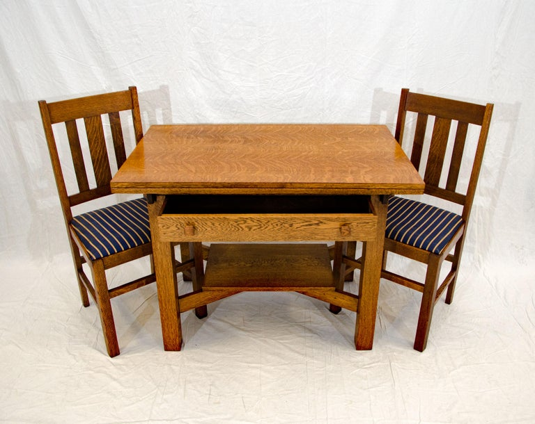American Arts & Crafts Mission Oak Library or Breakfast Table with Two Leaves, Two Chairs For Sale