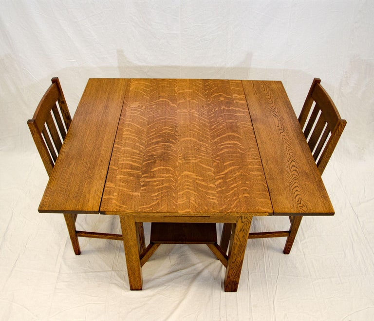 Arts & Crafts Mission Oak Library or Breakfast Table with Two Leaves, Two Chairs For Sale 2