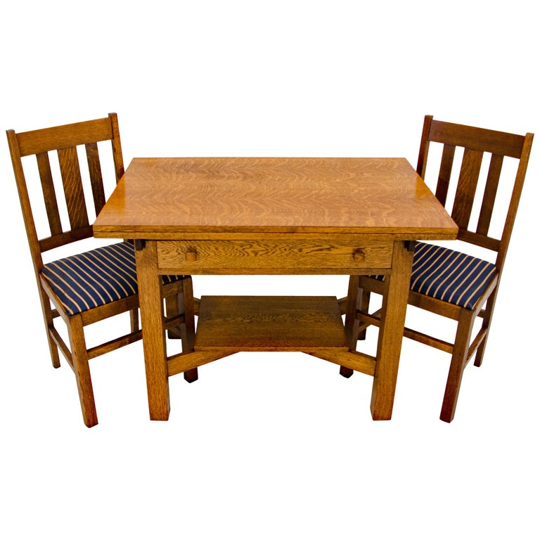 Arts & Crafts Mission Oak Library or Breakfast Table with Two Leaves, Two Chairs For Sale