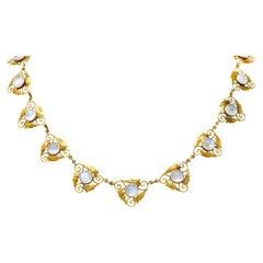 Arts & Crafts Moonstone Cabochon 18 Karat Gold Foliate Link Necklace