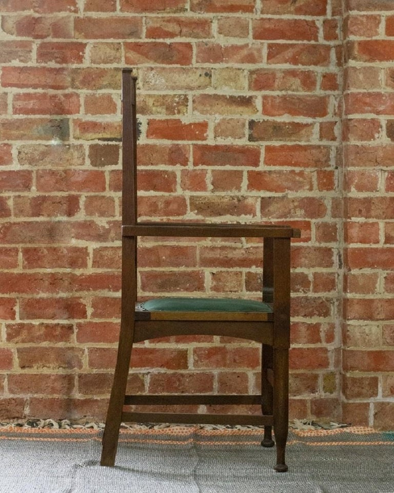 Arts & Crafts Oak Chair, c.1910 In Excellent Condition For Sale In London, GB
