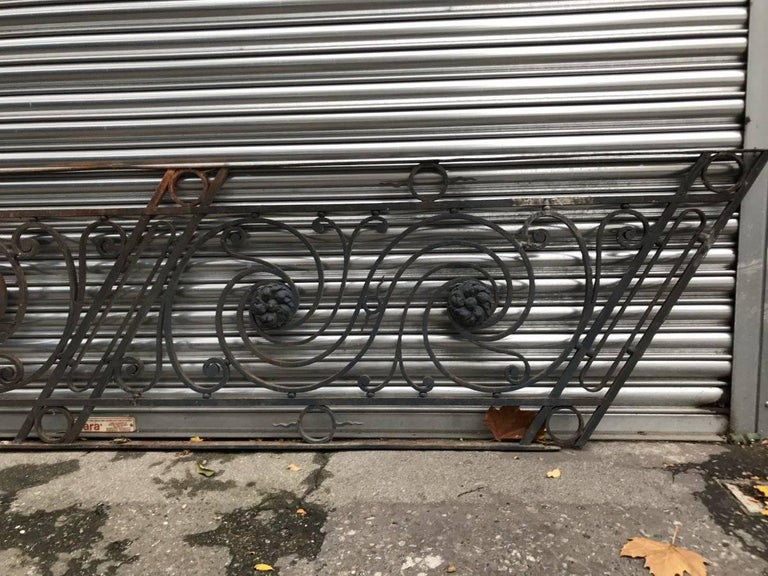 Arts And Crafts Style Decorative Cast Iron Angular Fence