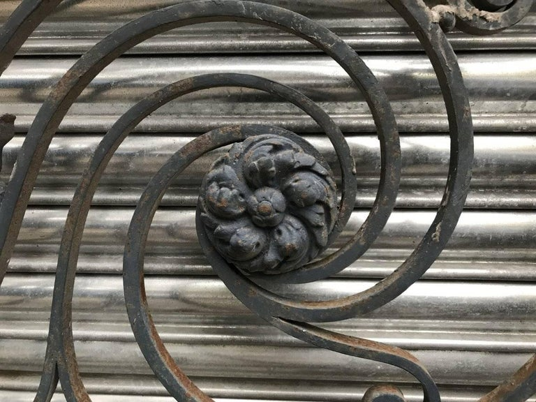 Arts & Crafts Style Decorative Cast Iron Angular Fence or Staircase Bannister For Sale 1