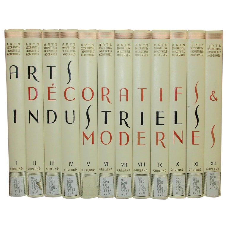 Arts Decoratifs and Industriels Modernes, Set of 12 Books 'ex library copy' For Sale