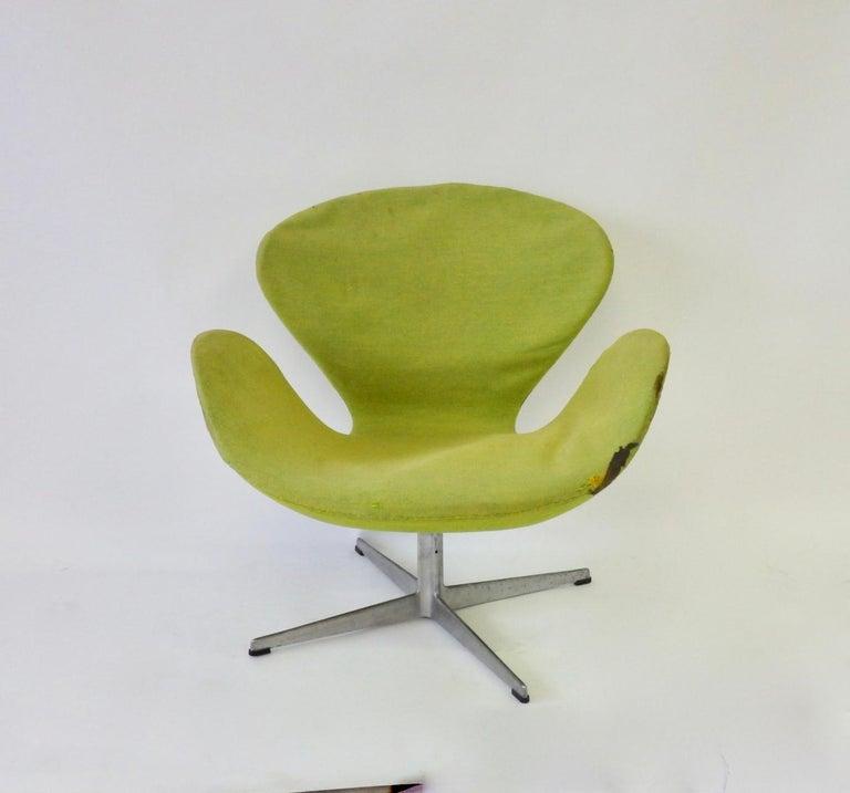 Mid-Century Modern As Found Arne Jacobsen for Fritz Hansen Adjustable Height Swan Chair For Sale