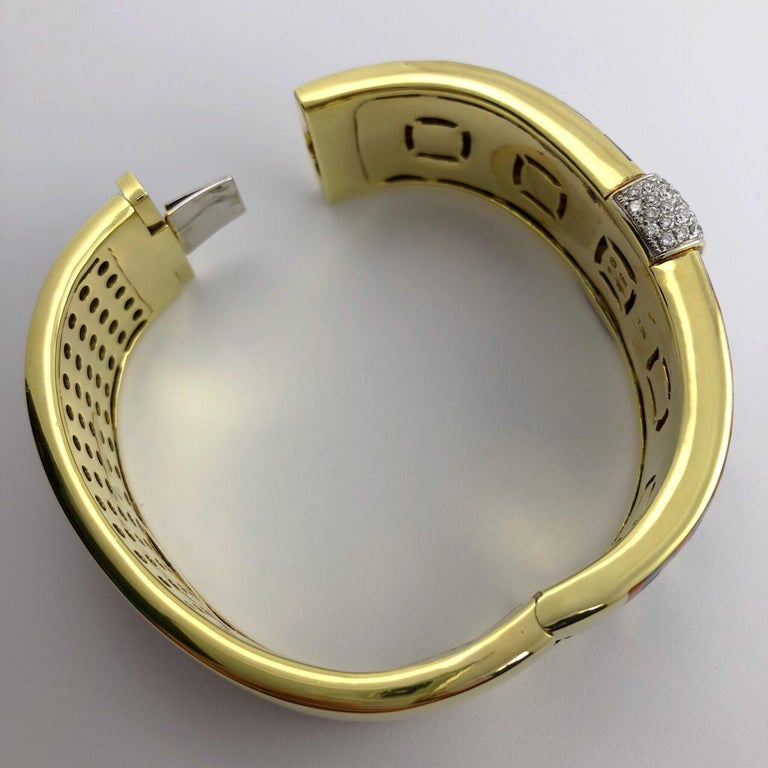 Asch Grossbardt 18 Karat Gold and 1.39 Carat Diamond  Inlaid Bracelet In New Condition For Sale In New York, NY