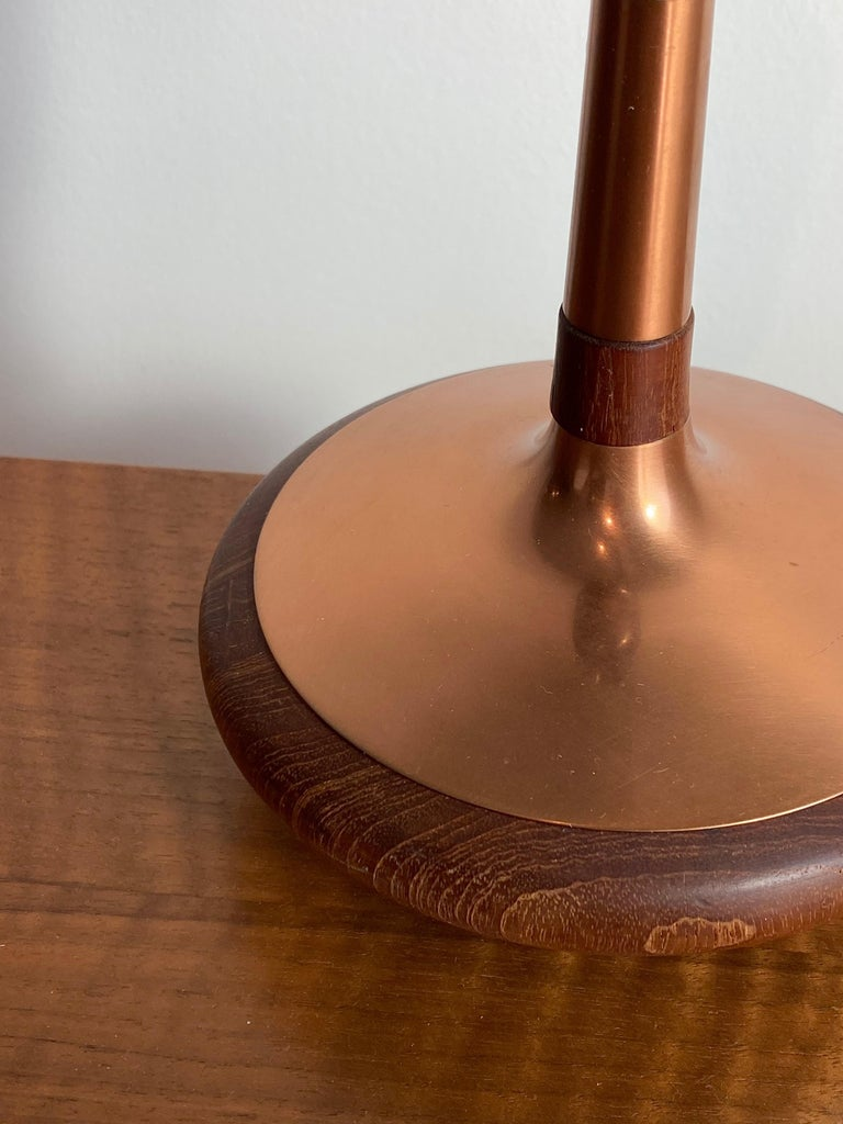 ASEA Belysning, Small Table Lamp, Copper, Turned Teak, Sweden, 1960s In Good Condition For Sale In West Palm Beach, FL