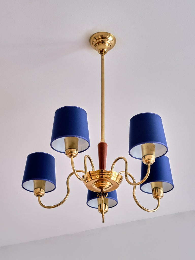 ASEA Five Arm Chandelier in Brass with Blue Shades, Sweden, 1940s In Good Condition For Sale In The Hague, NL