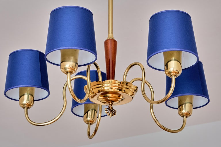 Mid-20th Century ASEA Five Arm Chandelier in Brass with Blue Shades, Sweden, 1940s For Sale