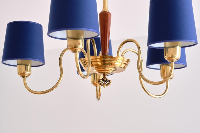 ASEA Five Arm Chandelier in Brass with Blue Shades, Sweden, 1940s For Sale 1