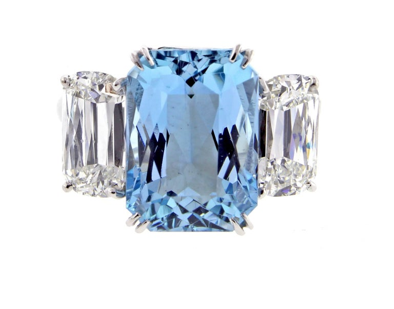 Ashoka Diamond and Aquamarine Ring In Excellent Condition For Sale In Bethesda, MD