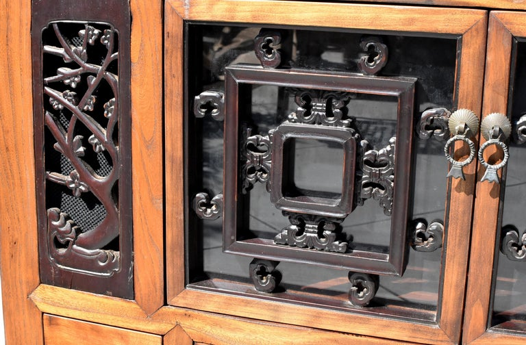 Asian Book Cabinet with Carved Screens For Sale 3