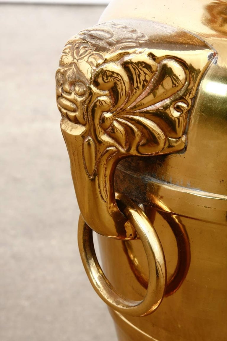 Asian Brass Elephant Head Urn Table Lamp by Marbro For Sale 1