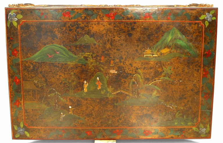 Asian Chinese Style '19th-20th Century' Carved and Lacquered Coffee Table In Good Condition For Sale In New York, NY