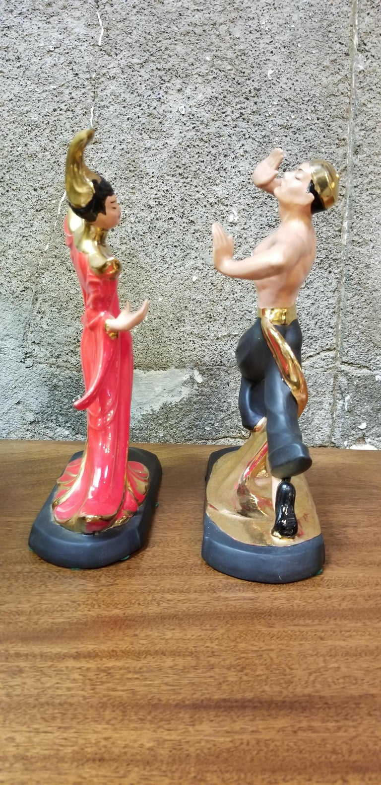 Asian Dancers Ceramic Figurines 1950s a Pair In Good Condition For Sale In Fulton, CA