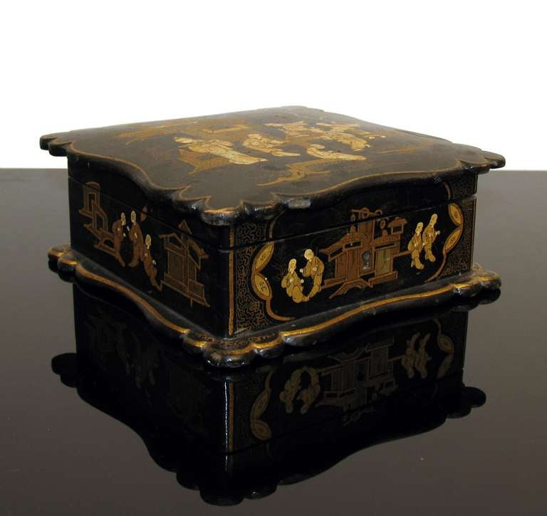 Asian Decor Jewelry Box in Black Lacquer Napoleon III In Good Condition For Sale In Bochum, NRW