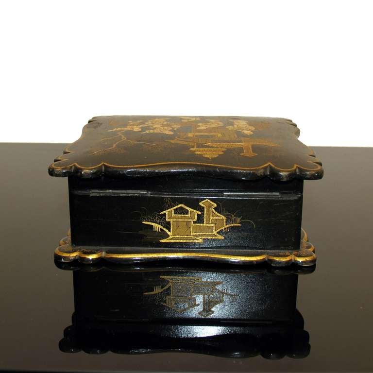 19th Century Asian Decor Jewelry Box in Black Lacquer Napoleon III For Sale