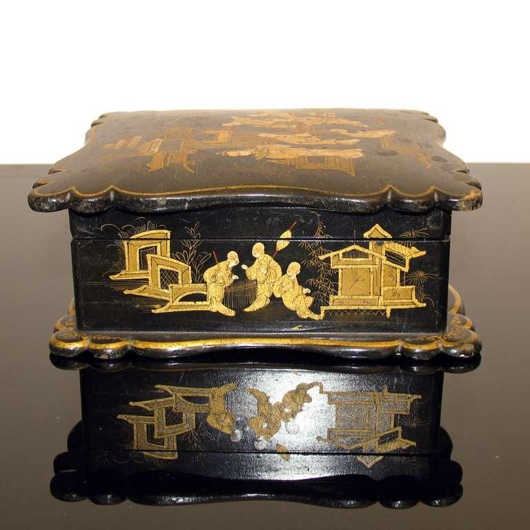 Asian Decor Jewelry Box in Black Lacquer Napoleon III For Sale 1