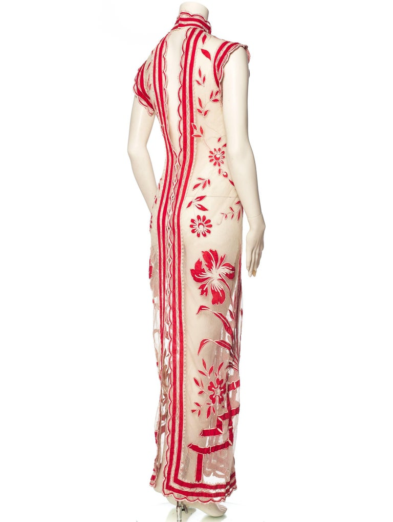 Asian Inspired Victorian Lace Dress In New Condition For Sale In New York, NY