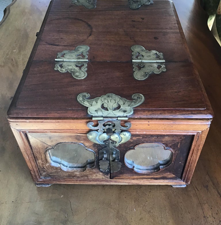 19th Century Asian Traveling Makeup/Jewelry Box For Sale
