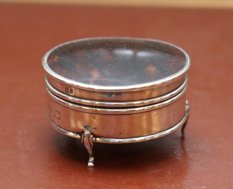 We are delighted to offer for sale this stunning original Asprey London solid sterling silver Jewelry trinket pot or box with faux tortoise shell top  A fantastic looking elegant and well-made, jewelry pot, fully hallmarked to the lid and base and