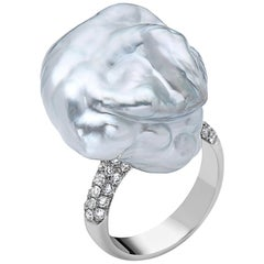 Astonishing White Natural South Sea Pearl Diamond Ring
