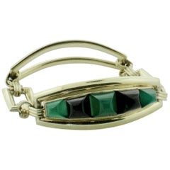 Astounding Chrysophrase and Onyx circa 1940s Bracelet in Yellow Gold