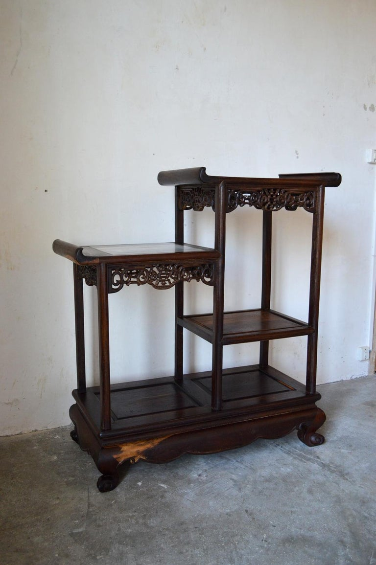 Asymmetrical Indochinese Shelves / Pot Stand / Bookcase in Carved Wood, 1930s In Good Condition For Sale In L'Etang, FR