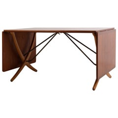 AT 304 Unusual Hans Wegner Dining Table
