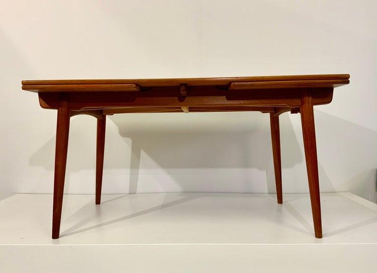 AT-312 Hans Wegner for Andreas Tuck Oak & Teak Midcentury Dining Table, Denmark In Good Condition For Sale In Hamburg, DE