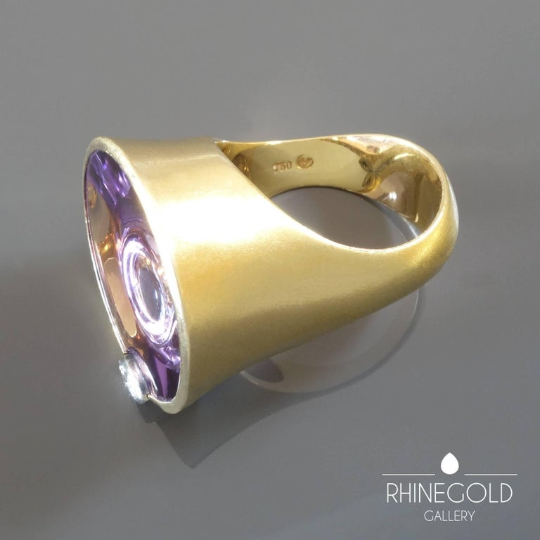 Atelier Munsteiner Amethyst Diamond Yellow and White Gold Cocktail Ring In Good Condition For Sale In Dusseldorf, NRW