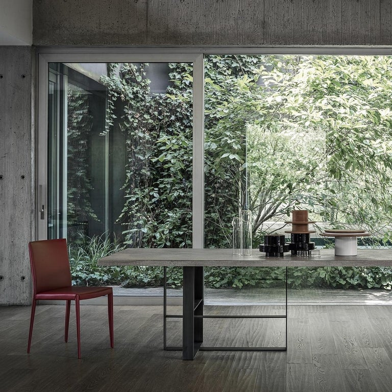 In Stock in Los Angeles, Grey Dining Table by Mist-o, Made in Italy In New Condition For Sale In Beverly Hills, CA