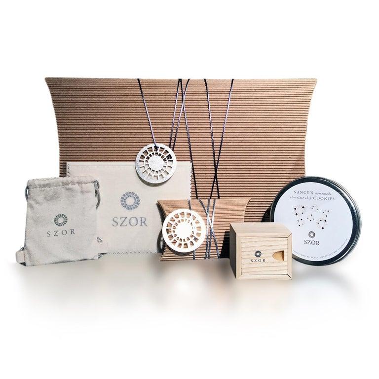 Atelier Zobel White Diamond Gold Oxidized Silver Handmade Oval Links Bracelet For Sale 1