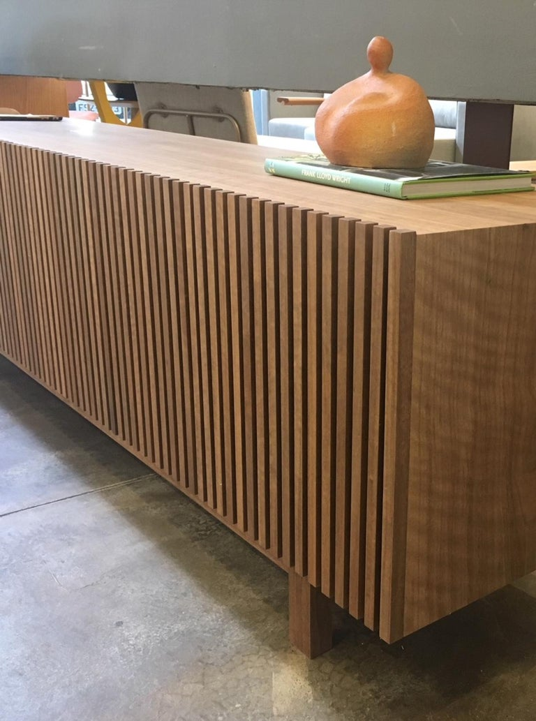 'Athena' Woodwork Natural Walnut TV Holder and Media Credenza with Drawer In New Condition For Sale In Sao Paulo, Sao Paulo