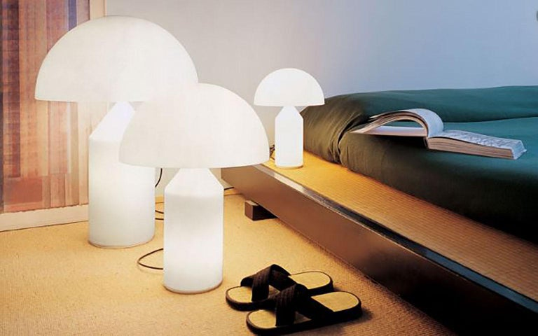 Italian Atollo Glass Table Lamp by Vico Magistretti for Oluce For Sale