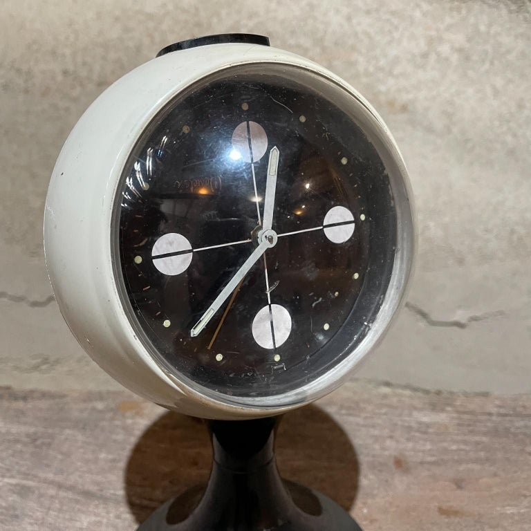 Mexican Atomic Modern Westclox Vintage Tulip Pedestal Clock Black & White, 1960s