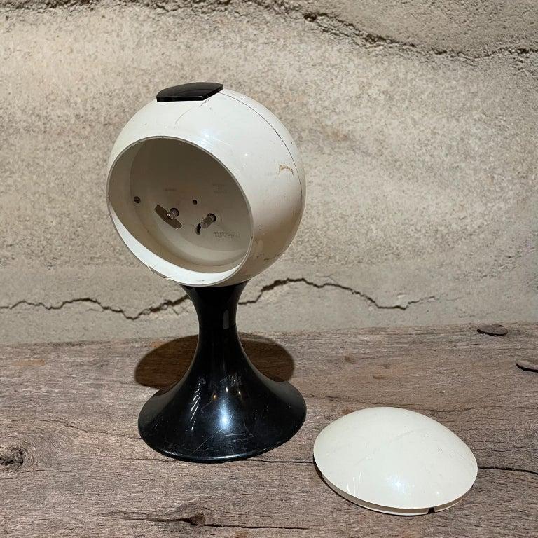 Plastic Atomic Modern Westclox Vintage Tulip Pedestal Clock Black & White, 1960s