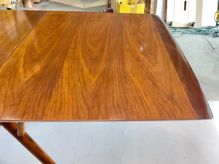Mid-20th Century Atomic Molecule Base Dining Table For Sale