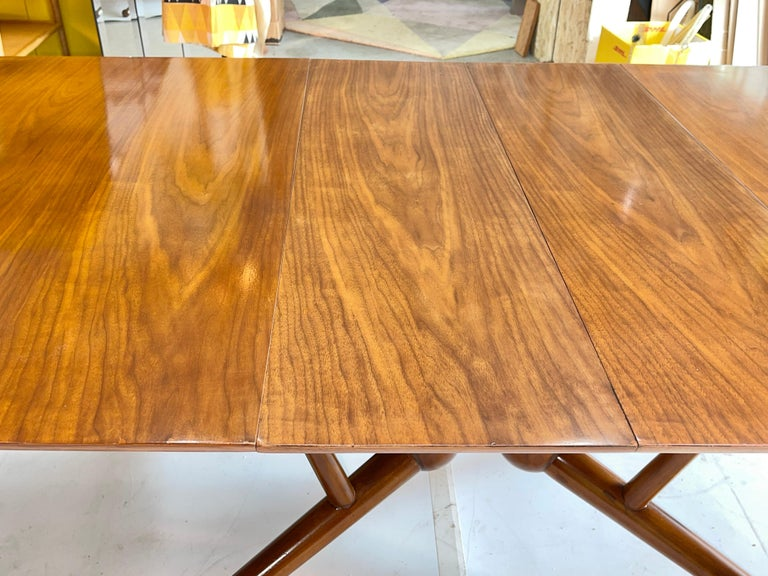 Atomic Molecule Base Dining Table For Sale 1