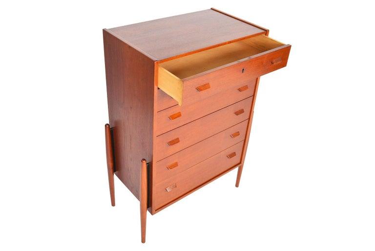 Atomic Six-Drawer Highboy Dresser in Teak In Excellent Condition For Sale In Berkeley, CA