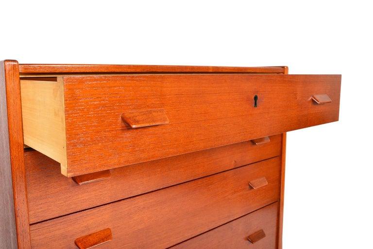 20th Century Atomic Six-Drawer Highboy Dresser in Teak For Sale
