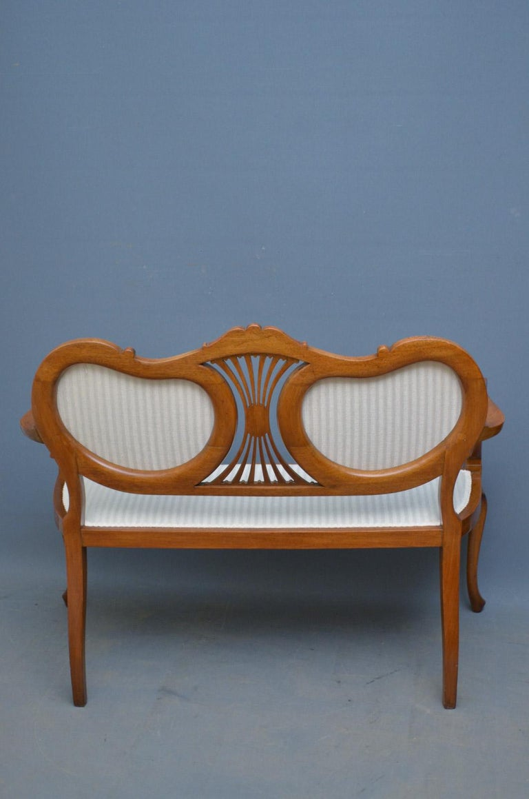Attractive Edwardian Mahogany Sofa or Settee For Sale 6