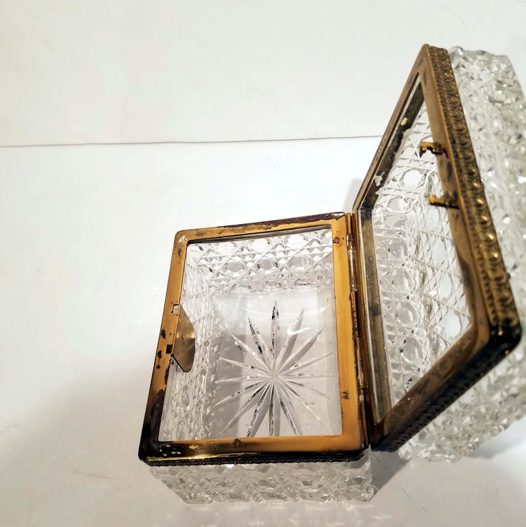 Attributed to Baccarat, Gilt Bronze Mounted Crystal Jewelry Box For Sale 3