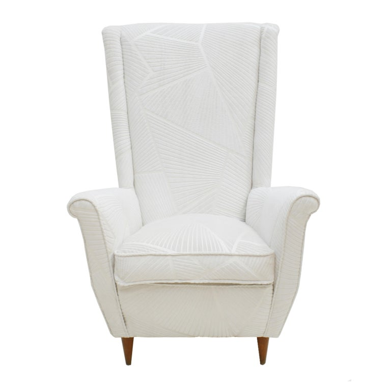 Mid-Century Modern Attributed To Gio Ponti Pair Of White Velvet Italian Armchairs. Italy 50s For Sale