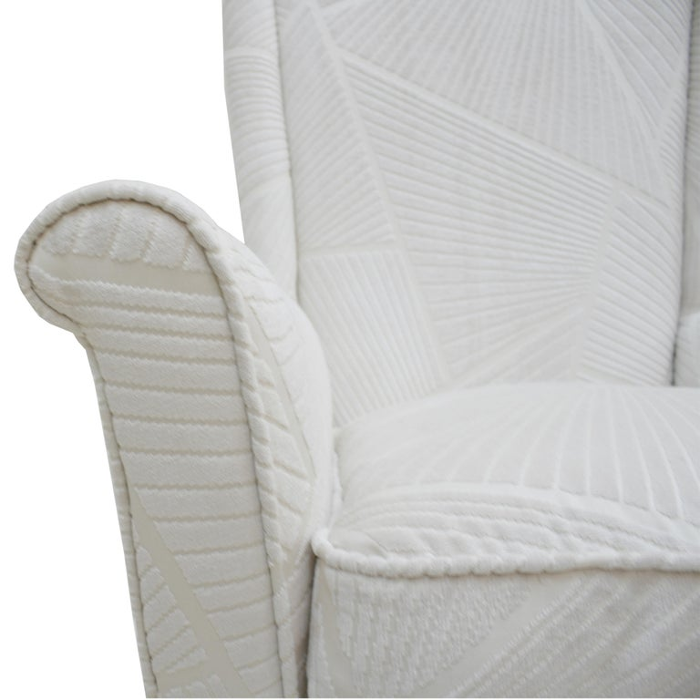 Attributed To Gio Ponti Pair Of White Velvet Italian Armchairs. Italy 50s For Sale 1
