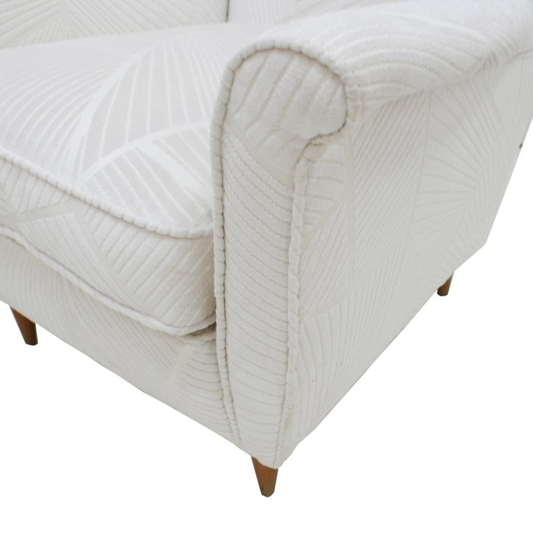 Attributed To Gio Ponti Pair Of White Velvet Italian Armchairs. Italy 50s For Sale 2
